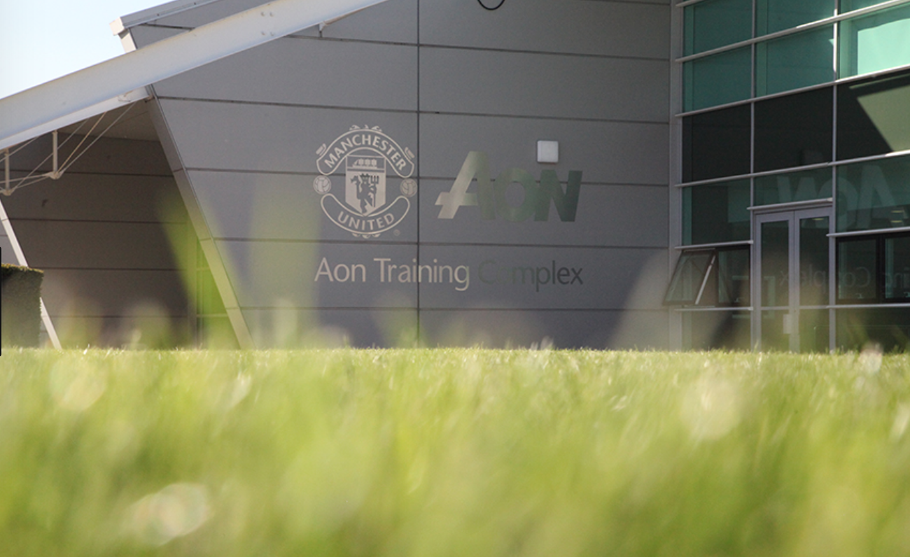 In Pictures: Starlet joins United first team in training